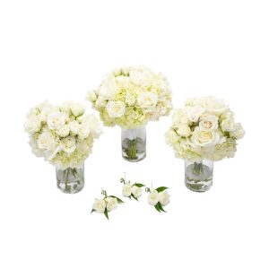 Classic White Wedding Flowers